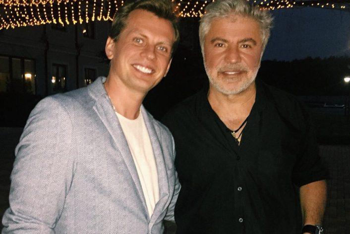 Сосо Павлиашвили с агентом BnMusic перед выступлением на частном мероприятии в Минске