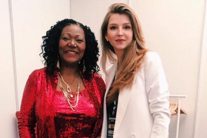 Liz Mitchell перед выступлением на корпоративе на Кипре с букинг-агентом BnMusic