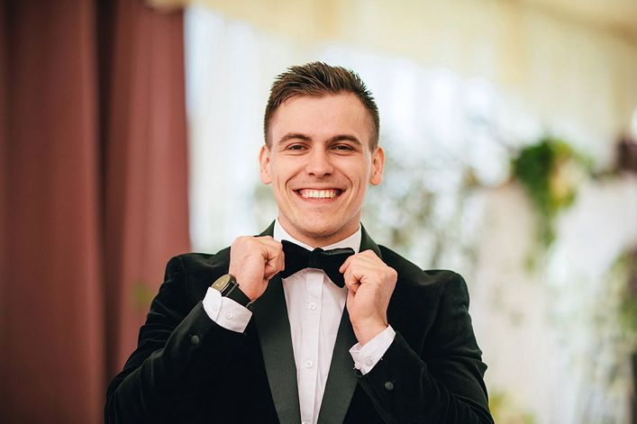 Антон Белый - пригласить ведущим на праздник