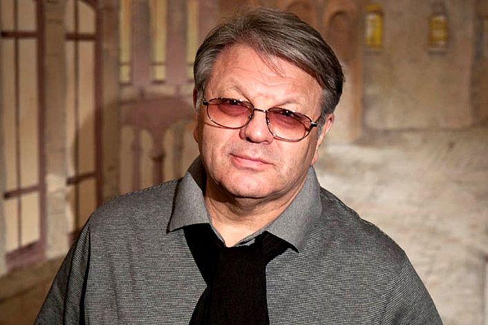 Илья Ноябрев - заказать ведущим на корпоратив