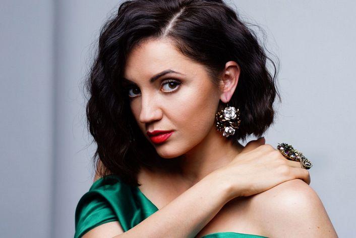 Оля Цибульская - пригласить на праздник в букинг-агентстве BnMusic