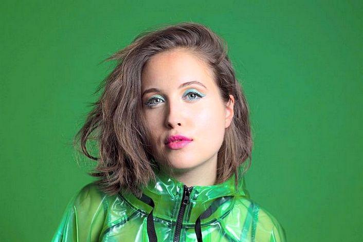 Alice Merton - пригласить на праздник в букинг-агентстве BnMusic