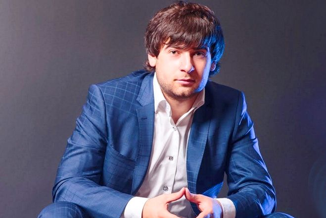 Азамат Биштов - пригласить на праздник в букинг-агентстве BnMusic