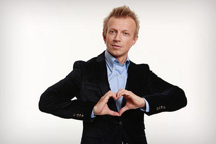Антон Комолов - заказать концерт в BnMusic