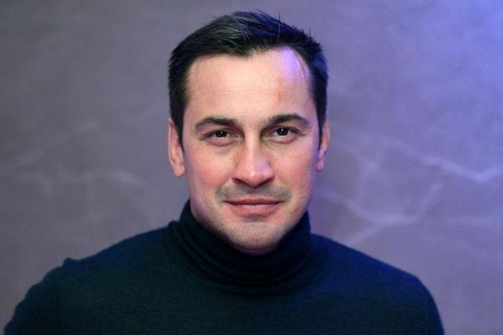 Дмитрий Носов - страница на официальном сайте агента