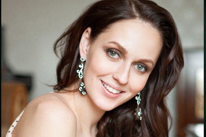 Елена Есенина - страница на официальном сайте агента
