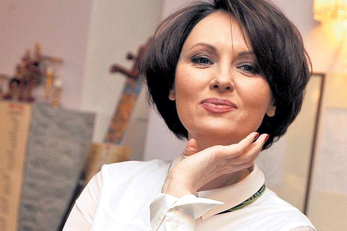 Елена Ксенофонтова - заказать на корпоратив
