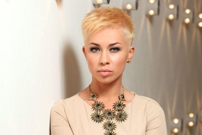Юлия Плаксина - заказать концерт в BnMusic