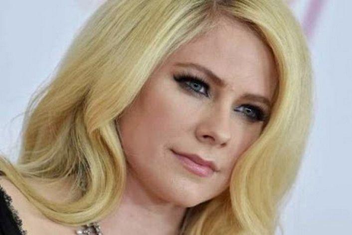 Avril Lavigne - заказать на корпоратив