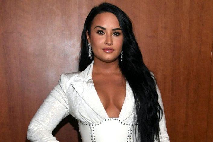 Demi Lovato - заказать на корпоратив