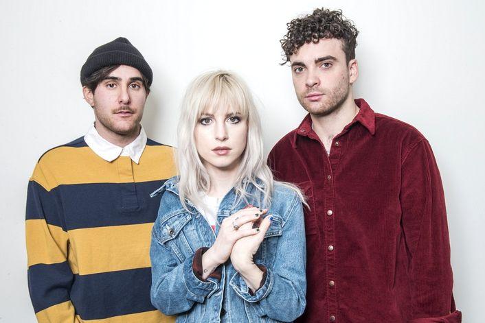 Paramore - страница на официальном сайте агента