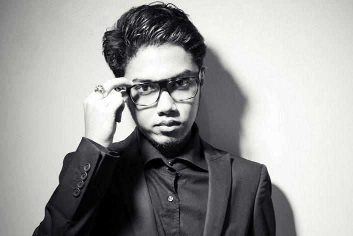Angger Dimas - заказать концерт в BnMusic